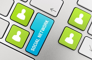 While there are benefits to social media campaigns for B2B, lead generation is best on LinkedIn.